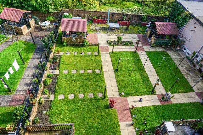 Communal Gardens of 19 Nelson Street, Greenock PA15
