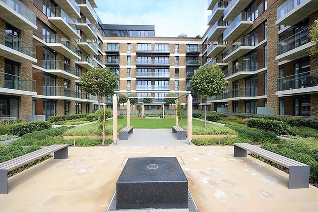 Thumbnail Flat to rent in Royal Arsenal, London
