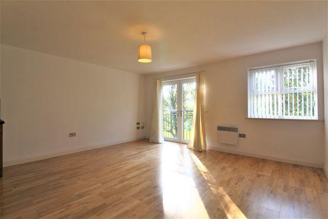 Thumbnail Flat to rent in Savile Grange Apartments, Free School Lane, Halifax