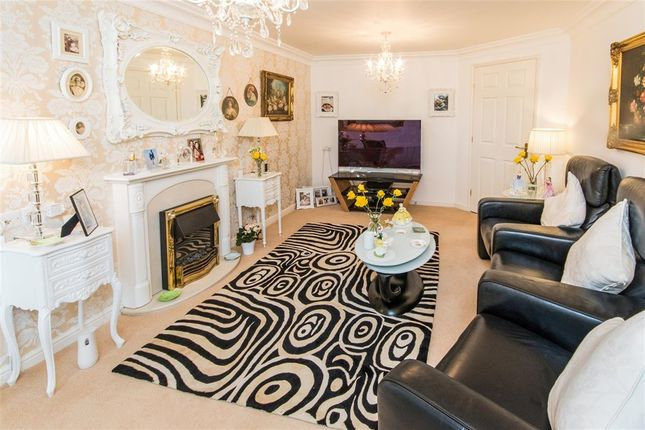 Thumbnail Flat for sale in Charter Court, North Road, Retford