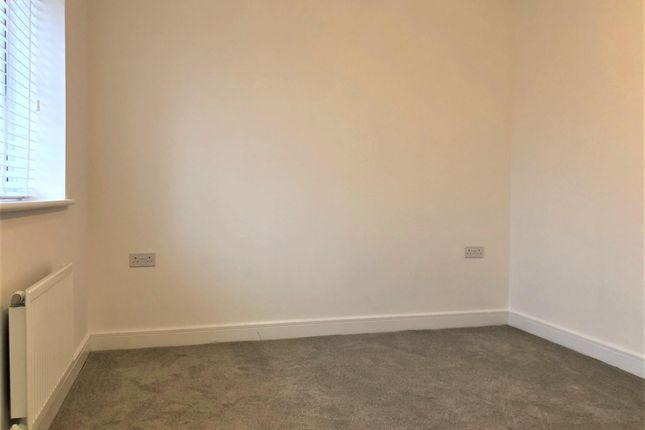 Bedroom 1 of President Road, Buckinghamshire, Aylesbury HP18
