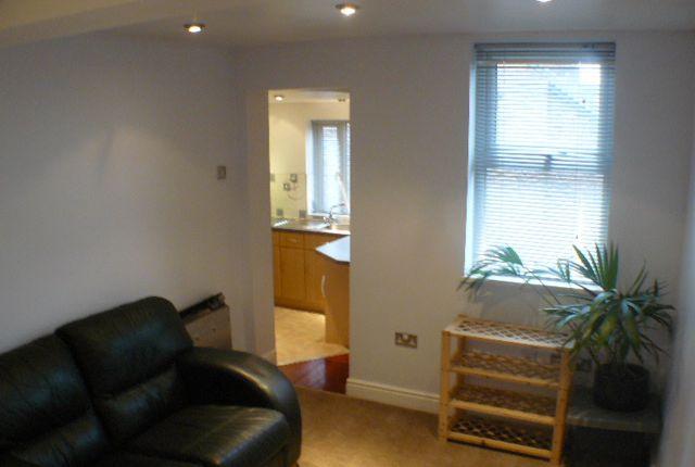 Thumbnail Flat to rent in Warwick Road, Chorlton Cum Hardy, Manchester
