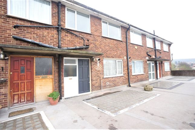 Thumbnail Flat to rent in St. Johns Parade, Sidcup High Street, Sidcup
