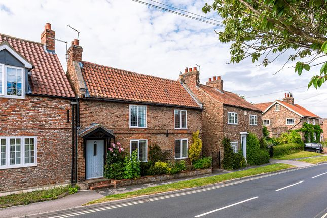 Thumbnail Cottage for sale in Church Street, Dunnington, York