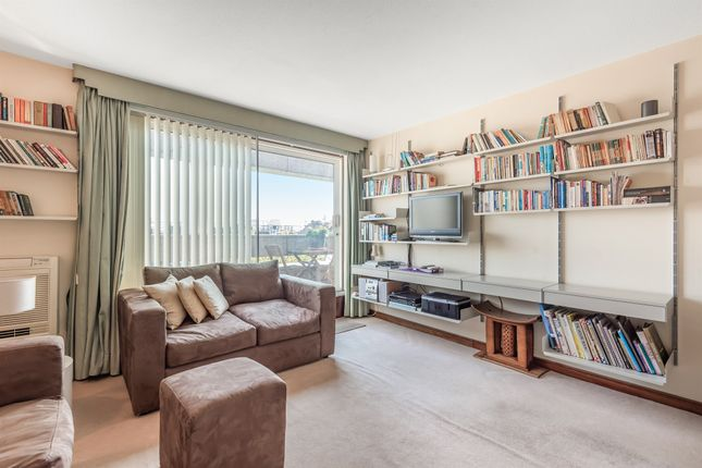 Thumbnail Flat for sale in New Compton Street, London