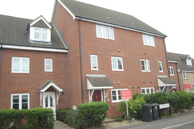 Thumbnail Town house to rent in Percival Close, Lee-On-The-Solent