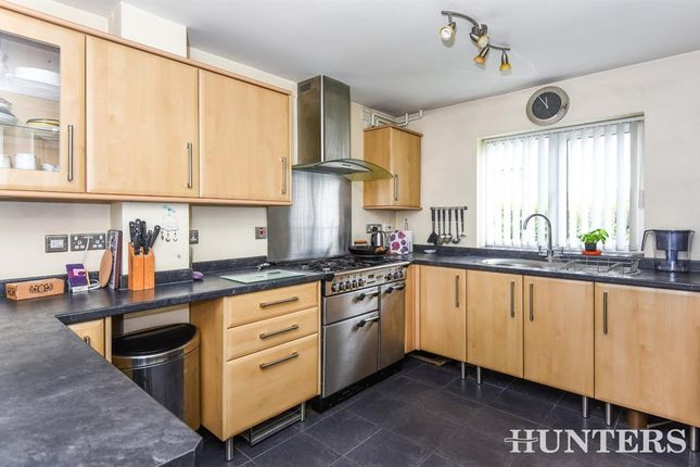 Thumbnail Detached house to rent in Butlers Drive, Carterton