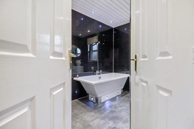 Bathroom of Elder Crescent, Cambuslang, Glasgow, South Lanarkshire G72