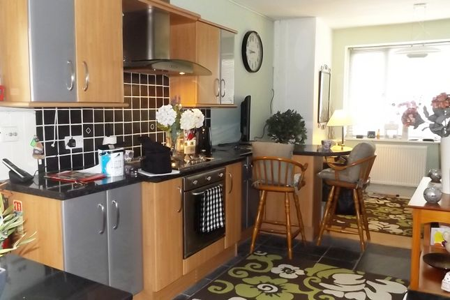 Thumbnail Flat to rent in Chatsworth Avenue, Bispham