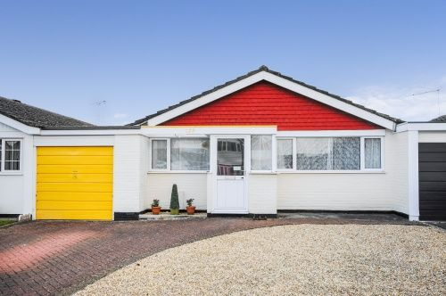 2 bed bungalow for sale in Uplands Road, West Moors, Ferndown