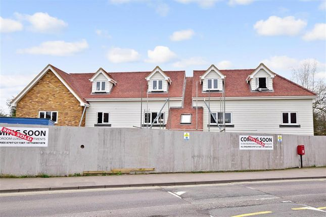 Thumbnail Flat for sale in Malling Road, Snodland, Kent