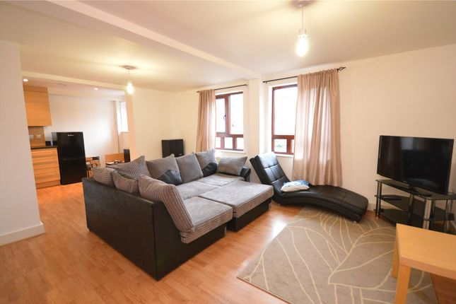 Picture No. 05 of Apartment 11, Read, Woodlands Village, Wakefield, West Yorkshire WF1