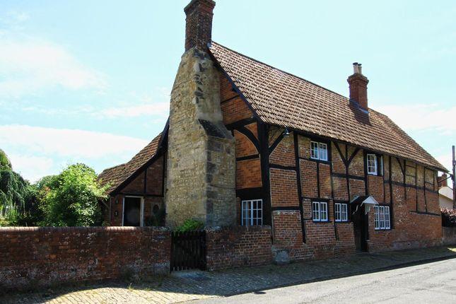 4 bed detached house to rent in Church Street, Steeple Ashton, Trowbridge BA14