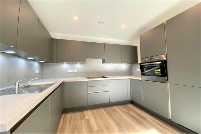 Thumbnail Property to rent in Ruffle House, Shipbuilding Way, London