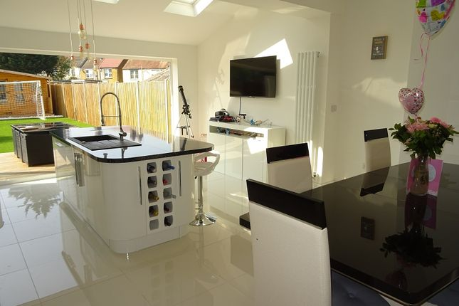 Thumbnail Terraced house for sale in Sturdee Avenue, Gillingham, Kent.