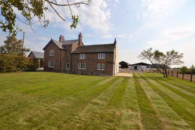 5 bed detached house to rent in The Farmhouse, Yarrow Croft, Drinkhouse Road, Croston PR26