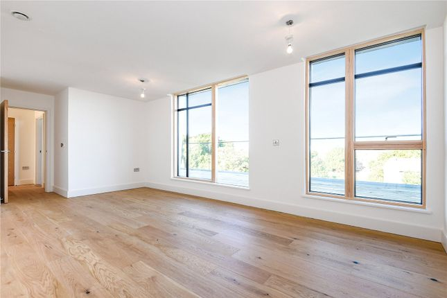 Thumbnail 2 bed flat to rent in Cavendish Road, Colliers Wood, London