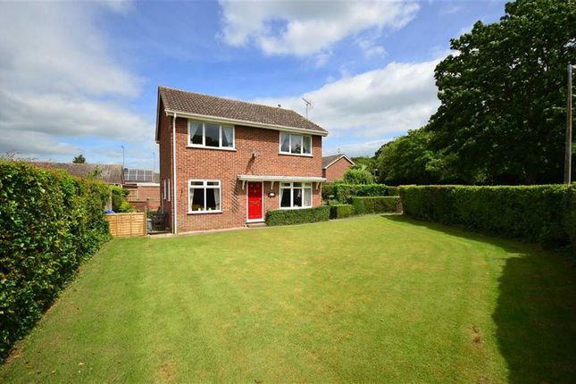 Thumbnail Detached house for sale in Hook Road, Goole