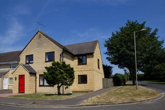 Thumbnail Detached house to rent in Oxlease, Witney