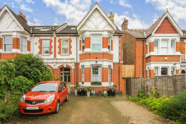 Thumbnail Flat to rent in Twyford Avenue, London
