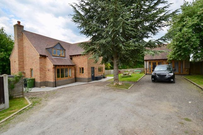 Thumbnail Detached house for sale in Station Road, Blackminster, Evesham