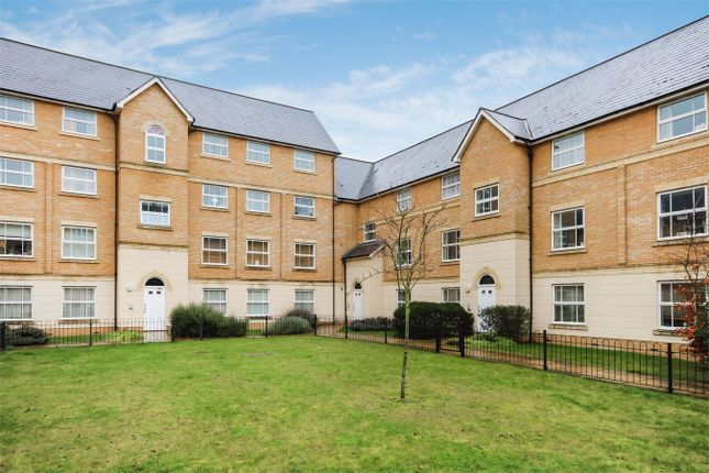 Thumbnail Flat for sale in Malyon Close, Braintree, Essex