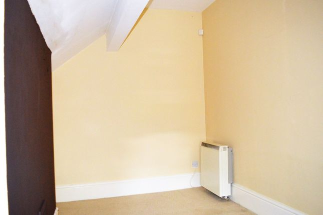 Thumbnail Flat to rent in New Chester Road, New Ferry, Wirral