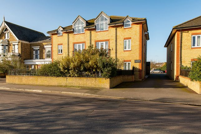 Thumbnail Flat to rent in St. James's Road, Gravesend