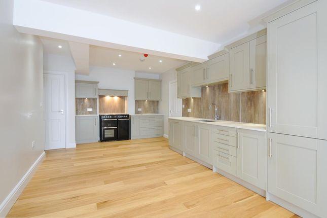 Thumbnail Flat to rent in Hewells Court, Black Horse Way, Horsham