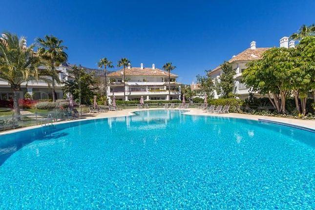 3 bed apartment for sale in Marbella, Málaga, Spain