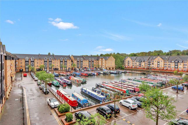 Thumbnail Flat for sale in Evans Wharf, Hemel Hempstead