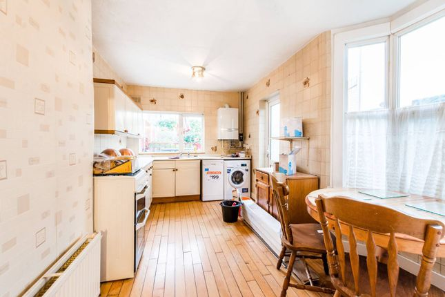 Thumbnail Property to rent in Millais Road, Leyton