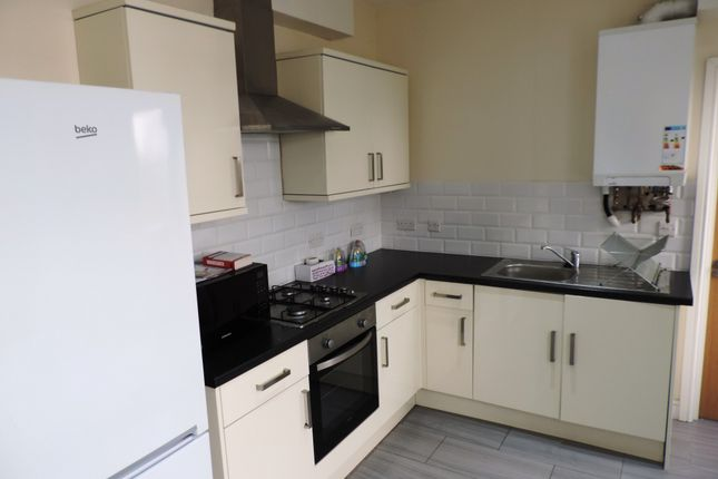 Thumbnail Flat to rent in Mackintosh Place, Cardiff, Caerdydd