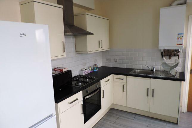 Thumbnail Flat to rent in Mackintosh Place, Cardiff, Caerdydd