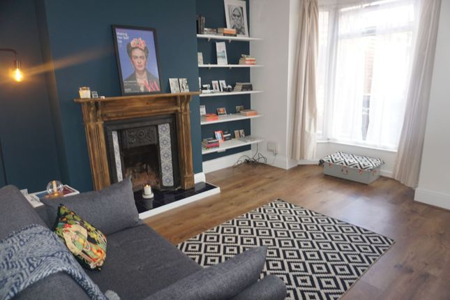 Lounge of Brentwood Avenue, Hardwick Street, Hull HU5