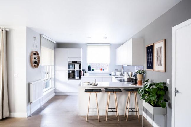 Thumbnail Town house for sale in 399 Townhouse, London