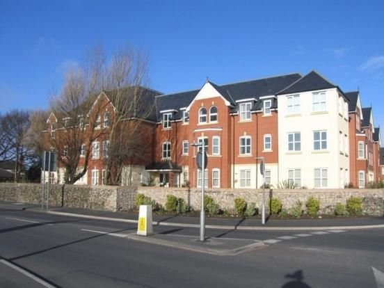 2 bed flat to rent in 64 Woodlands View, Lytham St Annes, Lancashire