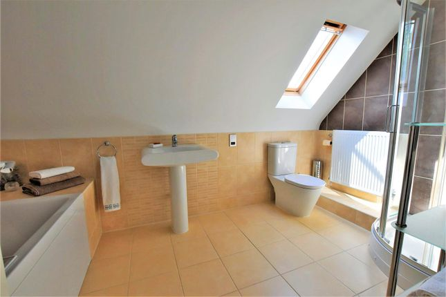 Bathroom of Stoney Glen, Carlby, Stamford PE9