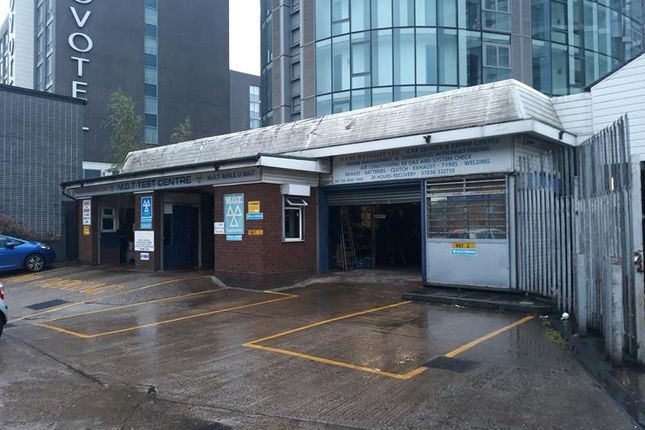 Photo of 1128, Great West Road, Brentford, London TW8