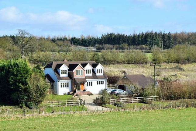 Thumbnail Country house for sale in Hill Drop Lane, Lambourn Woodlands
