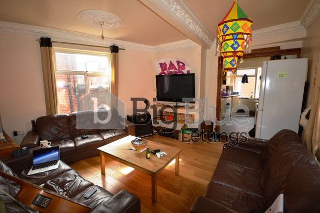 Thumbnail Terraced house to rent in 17 Raven Road, Headingley, Nine Bed, Leeds