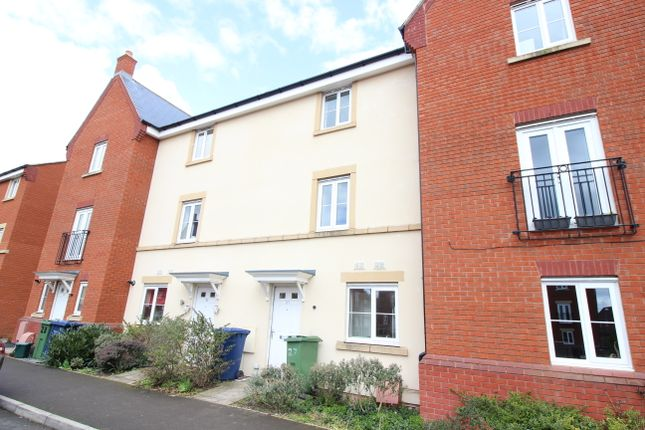 Thumbnail Town house to rent in Gainsborough Road, Tewkesbury