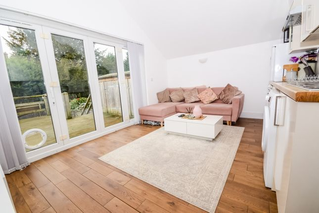 Thumbnail Bungalow to rent in Woodmill Lane, Southampton, Hampshire