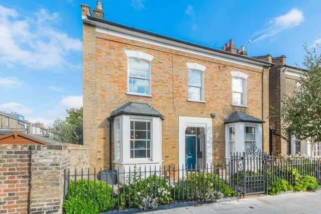 Thumbnail Detached house to rent in Forest Road, London Fields