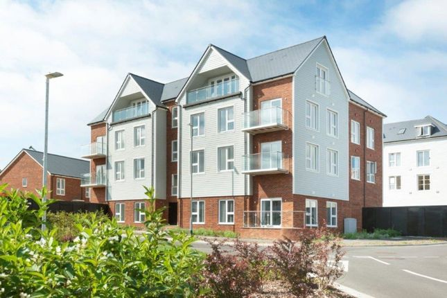 Thumbnail Flat for sale in Knights Wood Golding Road, Tunbridge Wells