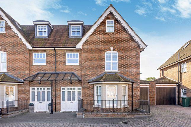 Thumbnail Property to rent in Stokes Mews, Teddington