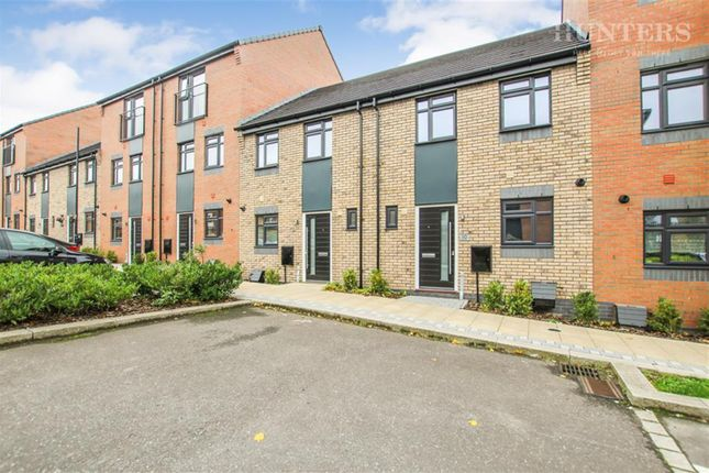 Thumbnail Town house to rent in Regal Way, Hanley
