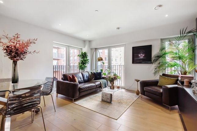 1 bed flat for sale in 15 Exchange Gardens London, London SW8