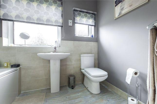Family Bathroom of Oak Tree Road, Tilehurst, Reading, Berkshire RG31