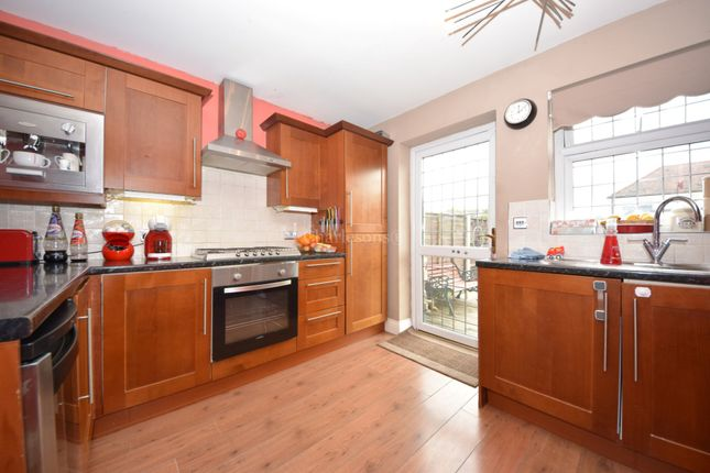3 bed end terrace house to rent in Craven Gardens, Barkingside, Ilford IG6